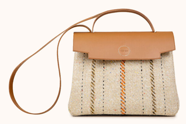 Bag in regenerated wool and leather